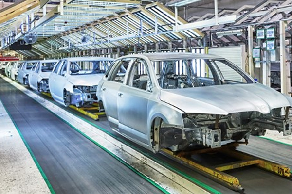 Photo-of-car-assembly-line