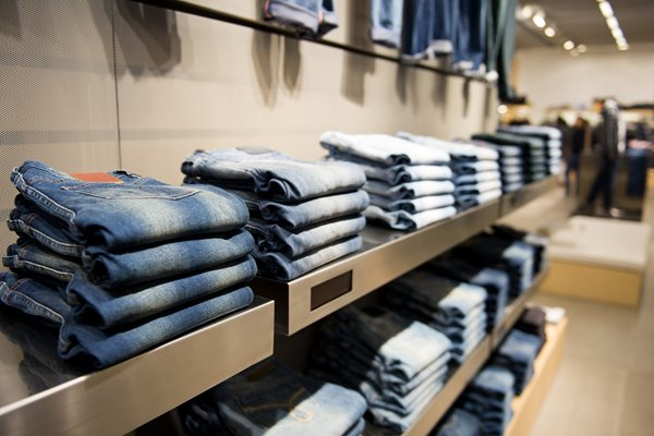 Impinj-retail-inventory-management-jeans