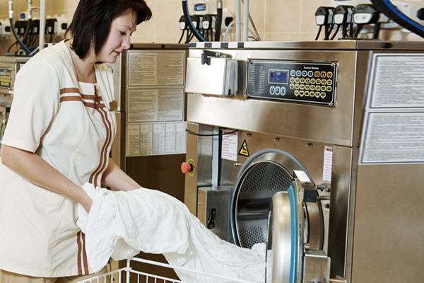 Berendsen Improves Laundry Facility Efficiency with RAIN RFID
