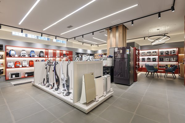 Picture of appliances in store